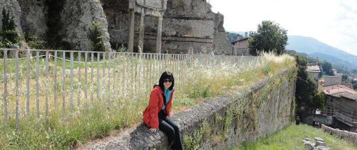 Rachel Thomas '14HTC spent a summer in Rome studying the classics.