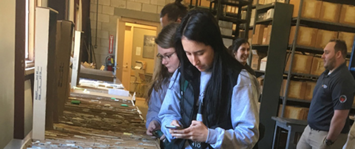 ​  Geology students view the Ohio Division of Geological Survey's Horace R. Collins Laboratory and Core Library  ​