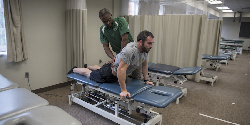 Physical therapy aids in recovery as alternative to opioid use
